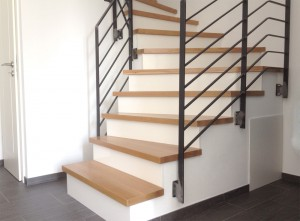 Treppe mit Stufen aus Eiche