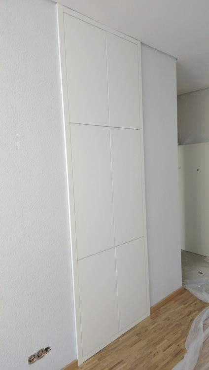 nischen einbauschrank in wei die tischlerei etienne. Black Bedroom Furniture Sets. Home Design Ideas
