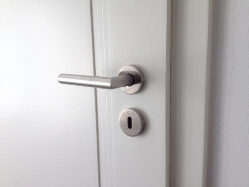 Zimmertüren Montage mit Türgriff