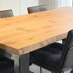 Eiche Esstisch massiv mit Baumkante